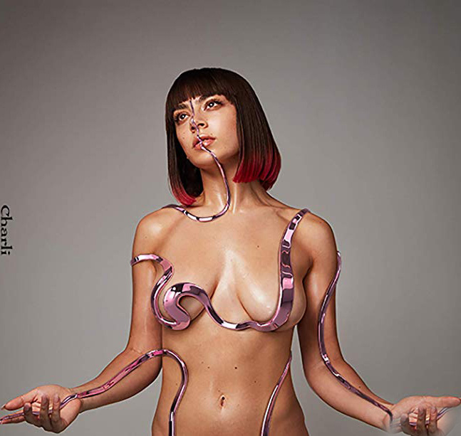 review charli x1 cong - Copy